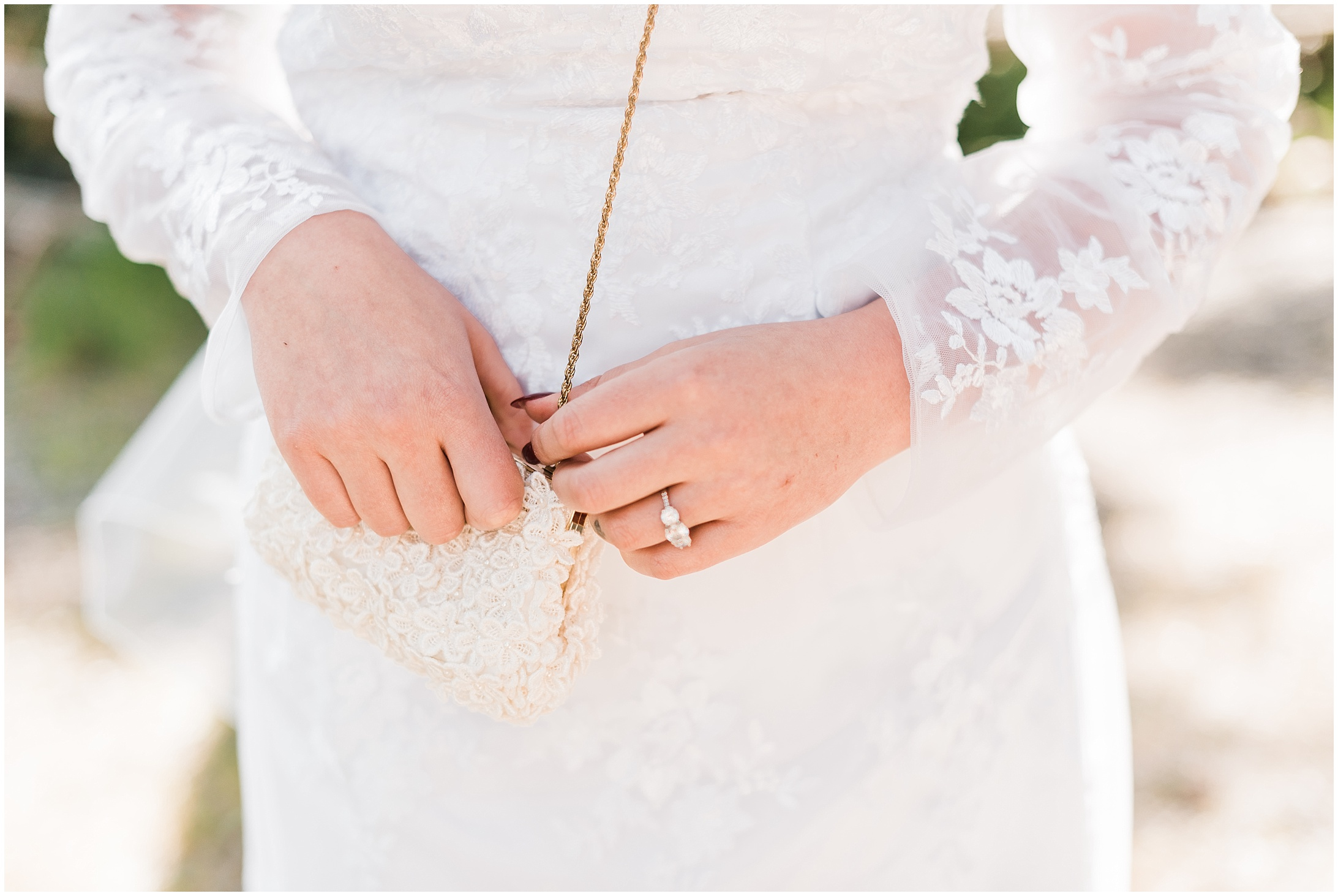 Close up picture of a bride's hands