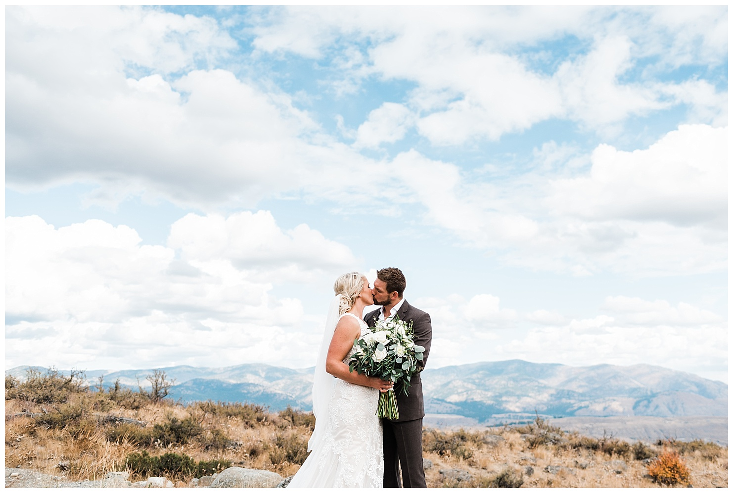 Destination Wedding at Sun Mountain Lodge by Forthright Photo