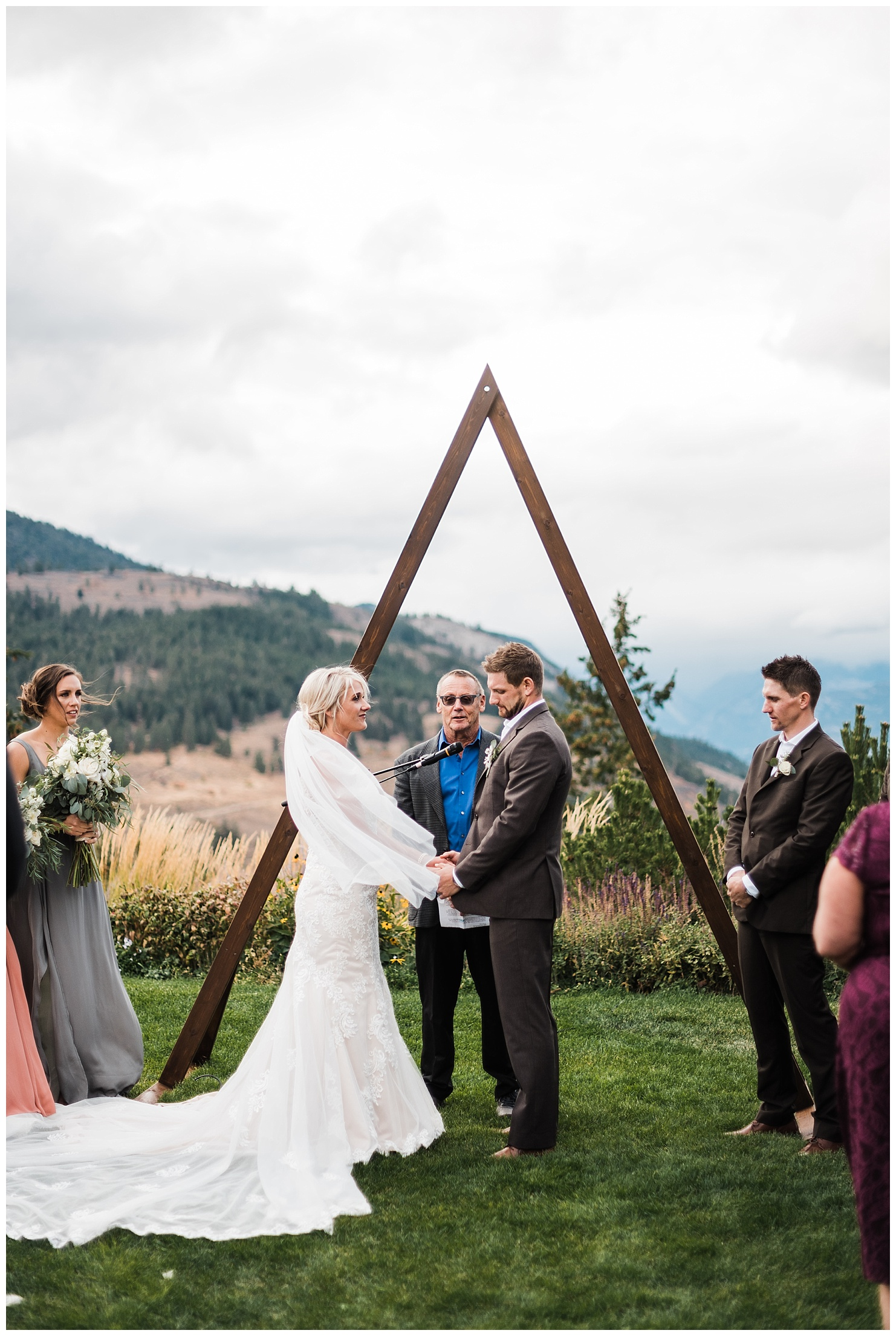 Wedding Ceremony at Sun Mountain Lodge by Forthright Photo
