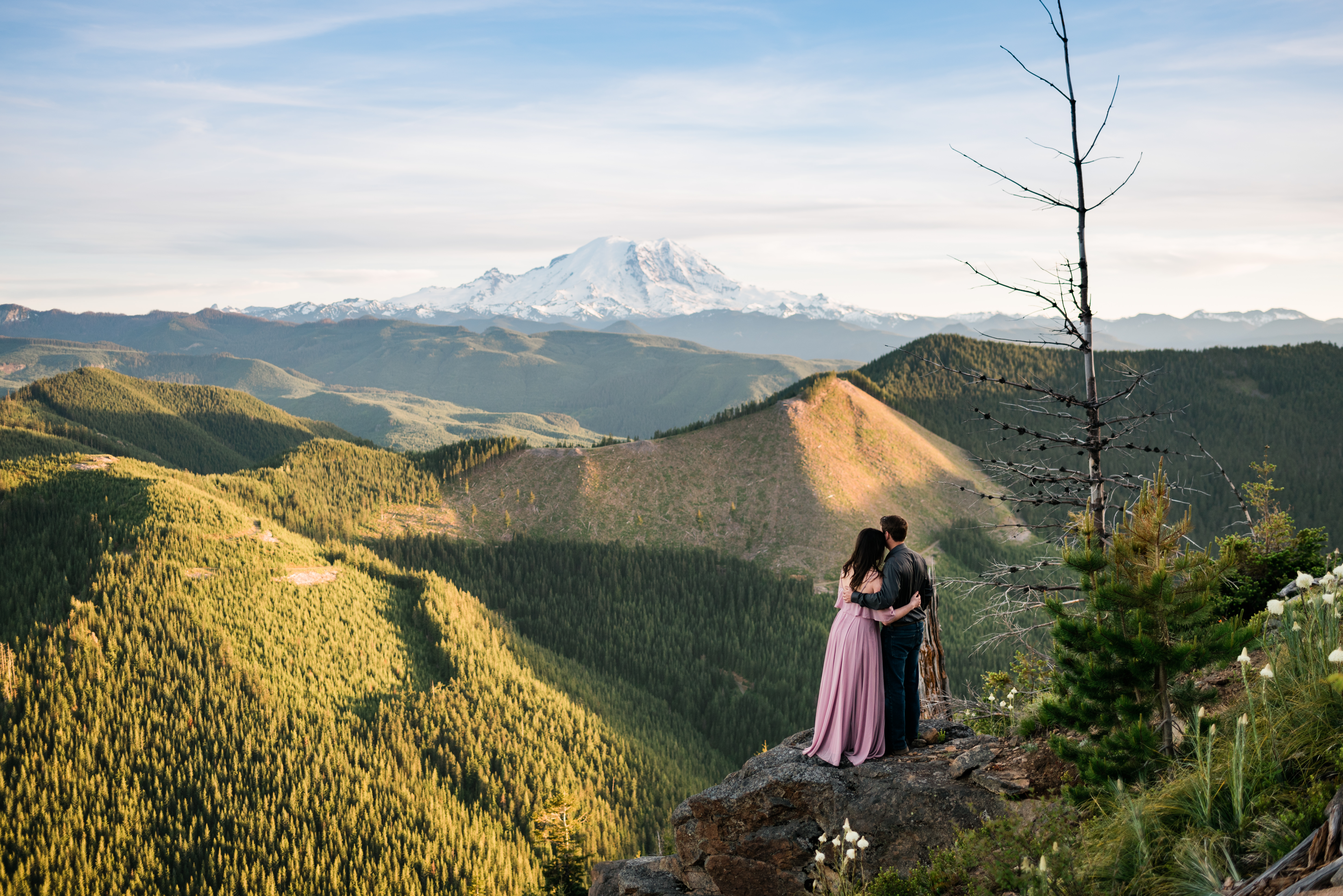 Hiking Elopement Checklist. Image by Forthright Photo, Seattle Elopement Photographers.
