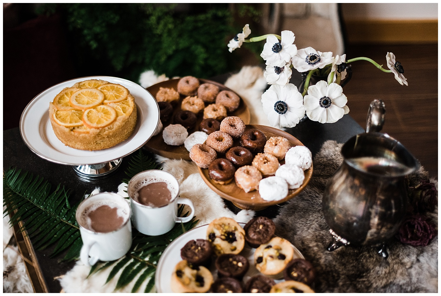 Elopement day wedding dessert spread with mini donuts and hot chocolate. Ideas for elopement dinners and deserts. Image by Forthright Photo.