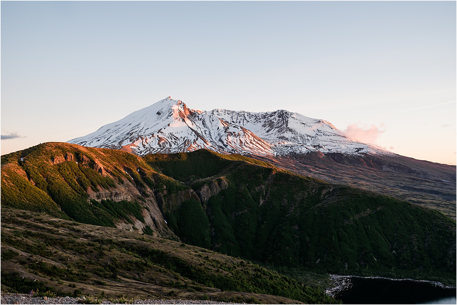 Mt St Helens at sunset. Image by Forthright Photo, wedding & elopement photographers.