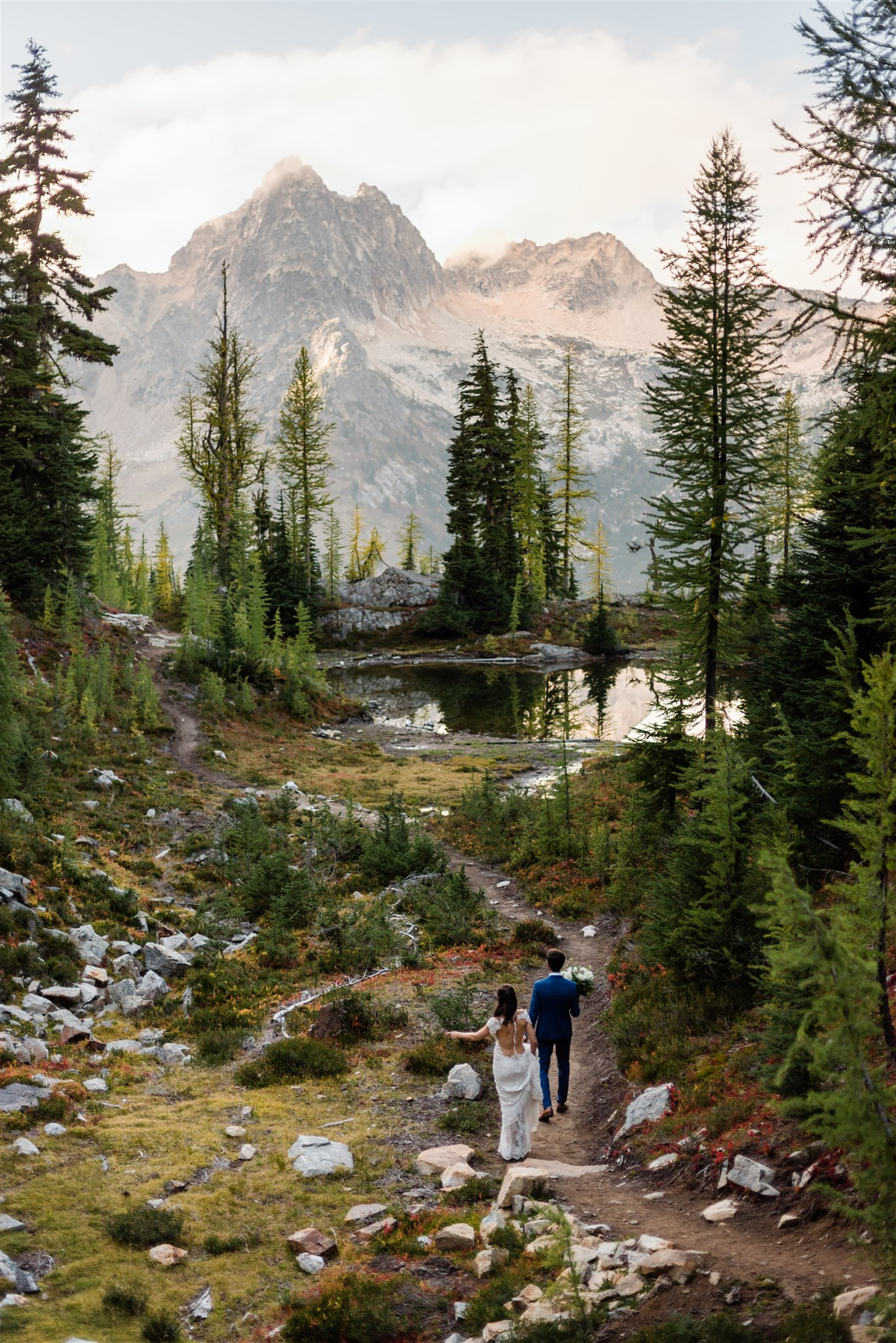 North Cascades adventure wedding, hiking wedding. Image by Forthright Photo.