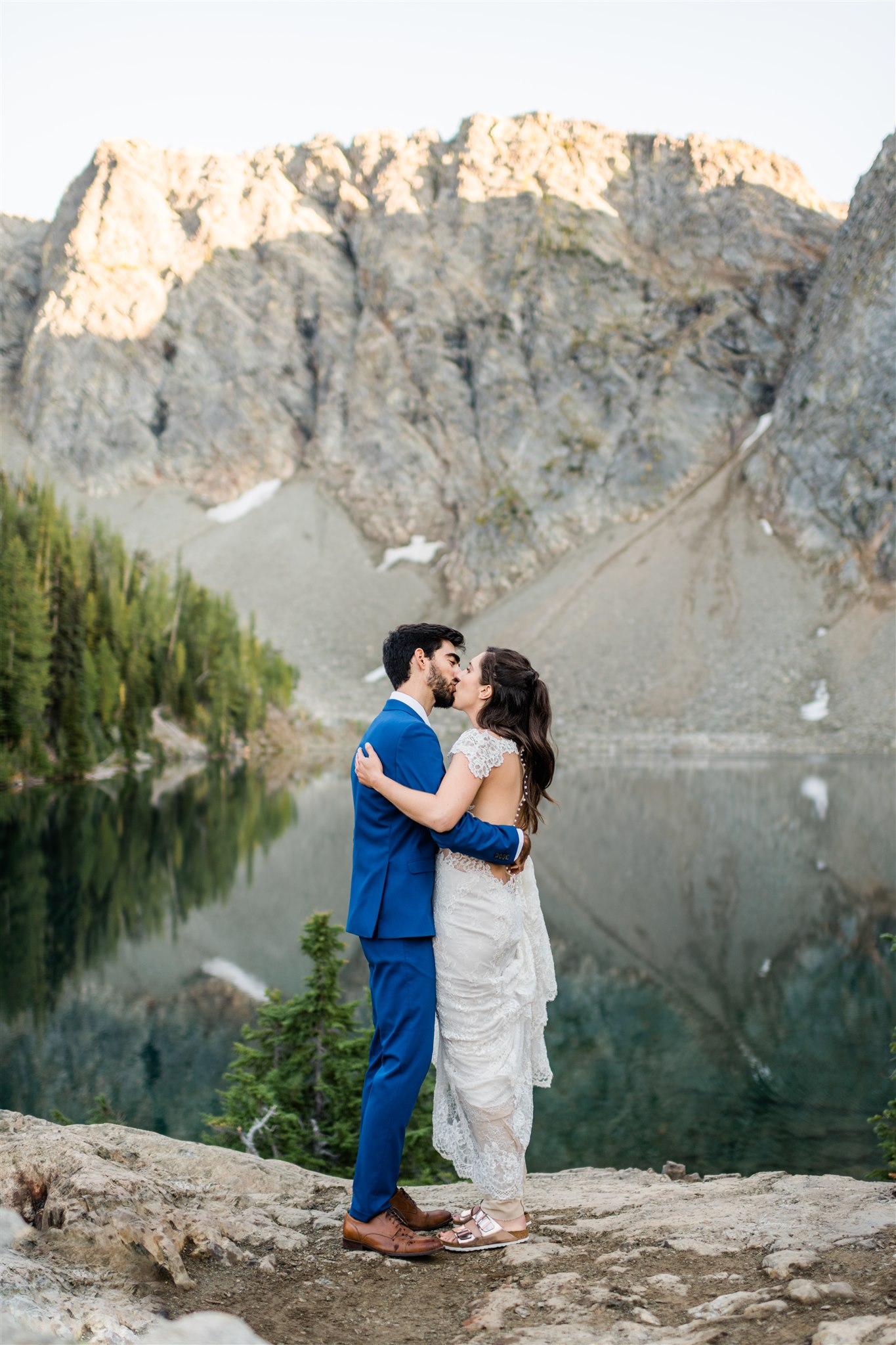North Cascades adventure wedding, hiking wedding first dance by a mountain lake. Image by Forthright Photo.