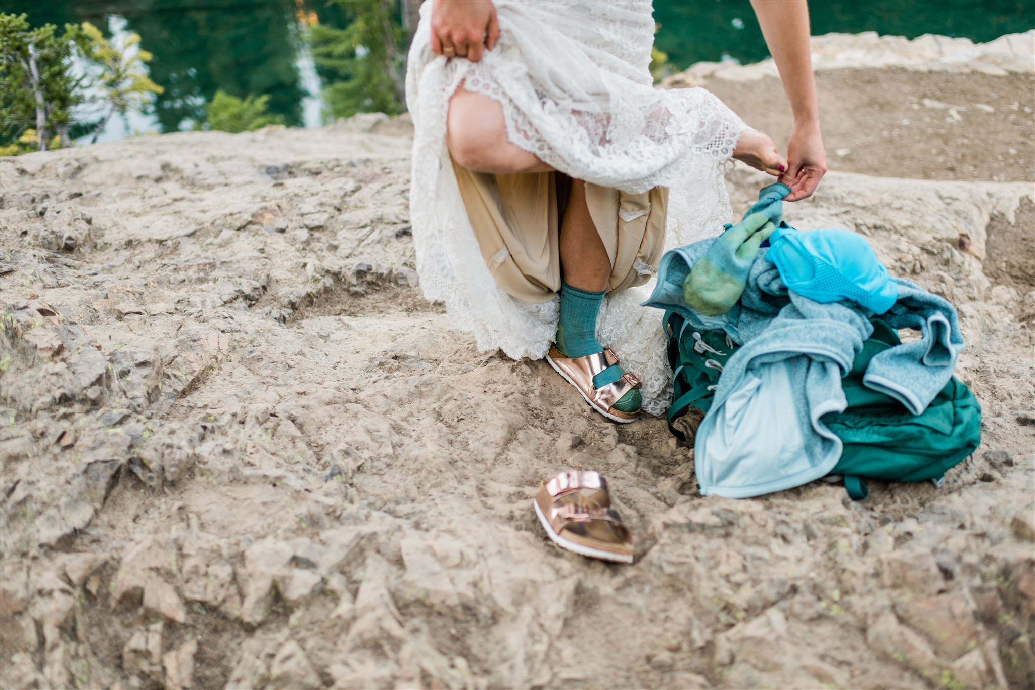 North Cascades adventure wedding, hiking and backpacking elopement. Image by Forthright Photo.