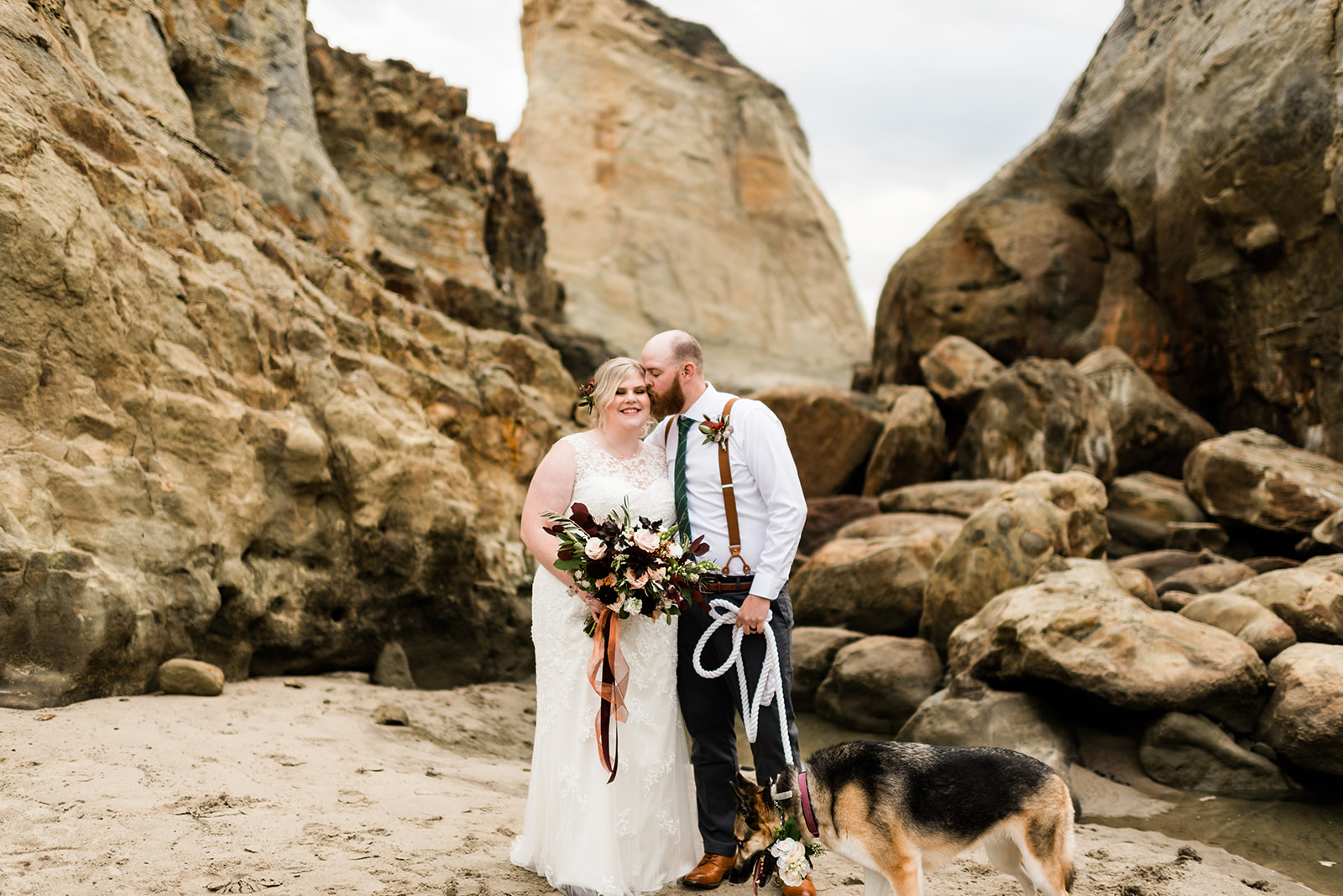 Amber & Russell at their Cape Kiwanda elopement. Image by Forthright Photo.